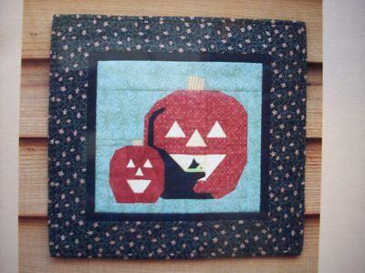 Black Cats Around Halloween (Spookin' Around Halloween pumpkins black cat quilt pattern paper foundation)