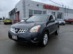 2013 Nissan Pathfinder Platinum, Leather, Panoramic Roof, Naviga