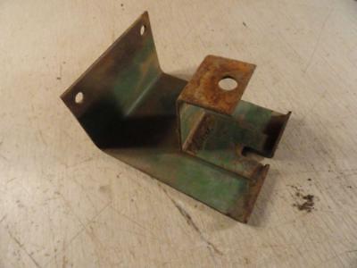 John Deere 820 830 Diesel Pto Shield Pivot Bracket Ar21407r