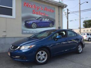 2013 Honda Civic LX - AUTO - HEATED SEATS - LOADED! ONLY 19,000K