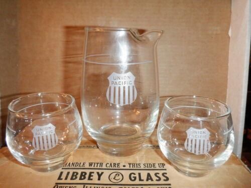 VINTAGE UNION PACIFIC MARTINI SET PITCHER GLASSES ORIGINAL w/ BOX RAILROAD RR