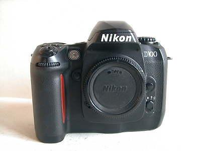 Nikon D100 hochwertige Spiegelreflex,schöner Zustand