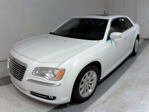 2013 Chrysler 300 LEATHER / PANO ROOF / NO PAYMENTS FOR 6 MONTHS