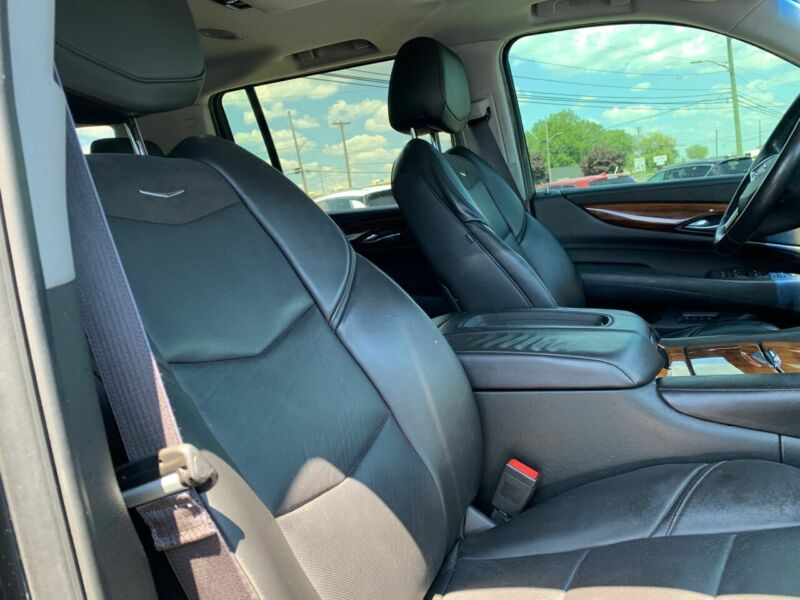 Image 8 Voiture American used Cadillac Escalade 2015
