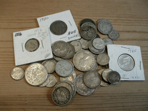 lot of Candian SILVER COINS ** $9.95 Face Value FV ** CANADA Halves, Quarters +