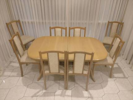 9 piece dining Setting Suite