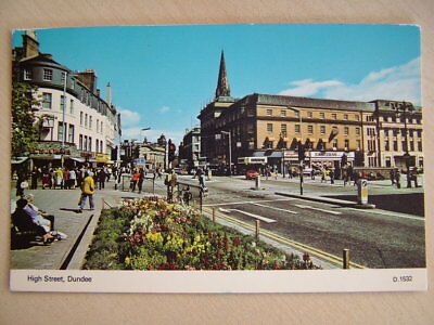 Postcard. HIGH STREET, DUNDEE. Used. Standard size.
