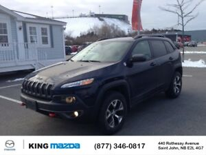 2015 Jeep Cherokee T/H- $196 B/W TRAILHAWK..4x4..LOW KMS..HEATED