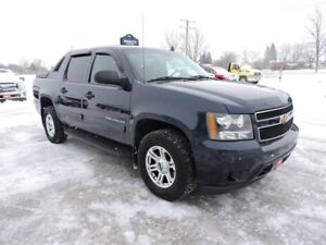 2010 Chevrolet Avalanche LS. Well oiled. 4X4. Only 132000 km