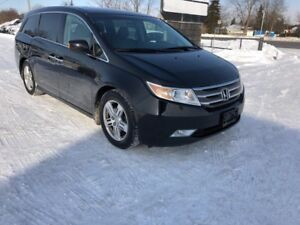 2011 Honda Odyssey TOURING *1 Owner* NO ACCIDENTS*