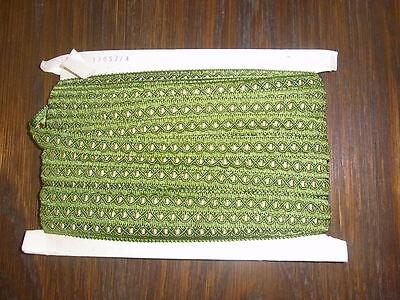 (0,60€/m) grün mit gelb/gold Borte, Höhe ca. 1,5cm 25m auf einer Pappe