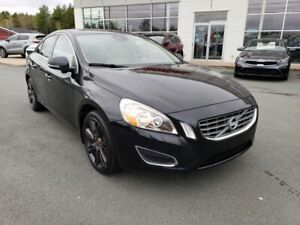 2012 Volvo S60 T5. Leather, roof. New MVI. tires and rear brakes