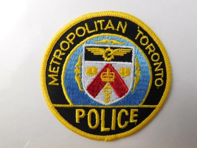 METROPOLITAN TORONTO  POLICE VINTAGE PATCH BADGE ONTARIO CANADA COLLECTOR