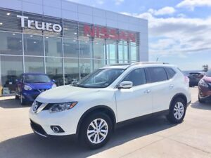 2016 Nissan Rogue AWD SV Moonroof w/Tech Pkg 1 Owner, Just Certi