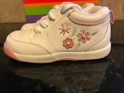 Stride Rite White Leather with Pink  Flowers Walking Shoes Infants Size 6 1/2 XW