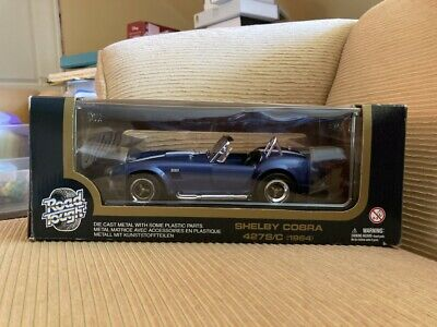 ROAD TOUGH 1964 SHELBY COBRA 427S/C 1:18 DIECAST MODEL CAR BLUE WHITE STRIPES