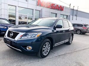 2015 Nissan Pathfinder SL  $194 BIWEEKLY Leather, Luxury 4 Wheel