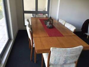 extendable wooden dining table good condition Ferntree Gully Knox Area Preview