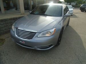 2014 Chrysler 200 LX * SEULEMENT 44.16$/SEMAINE, MAGS, A/C*