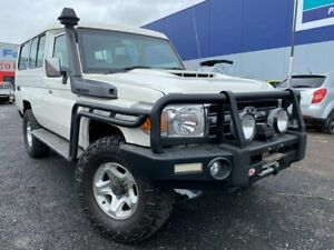 2014 Toyota Landcruiser VDJ78R MY12 Update Workmate (4x4) 11 Seat White 5 Speed Manual TroopCarrier