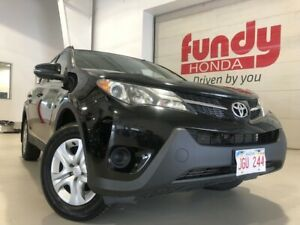2014 Toyota RAV4 LE w/heated front seats, AWD ONE LOCAL OWNER