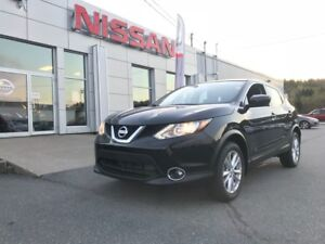 2017 Nissan Qashqai SV AWD FREE WINTER TIRES AND RIMS AND MORE!!