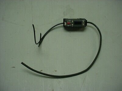Keyence Fs-v1 Fiber Optic Amplifier Sensor