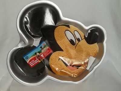 Mickey Mouse Cake Pans (WILTON Disney MICKEY MOUSE CAKE PAN 2105-7070 Face Clubhouse Aluminum Baking)