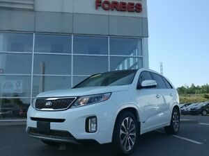 2015 Kia Sorento SX Navigation, Leather, Panoramic Sunroof