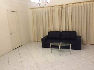 Large Room to Let in Seven Hills 2 min Walk Shopping Centre Seven Hills Blacktown Area Preview
