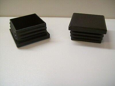 Schwarzes Quadrat Post (Posten Stopfen für Quadratrohr 25x25 mit Lamellen 50 Stück schwarz Kapsto)