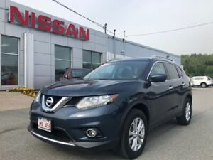 2016 Nissan Rogue SV All Wheel Drive, Heated Seats, ONLY 42,972