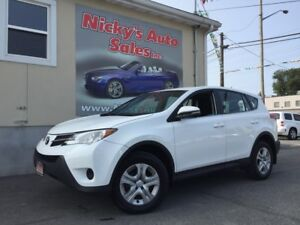 2015 Toyota RAV4 LE - AWD - ALLOY WHEELS - LOADED!