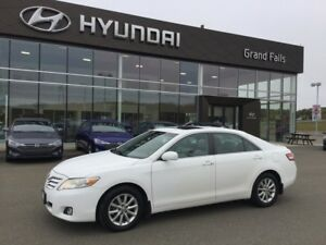 2011 Toyota Camry XLE XLE Loaded !