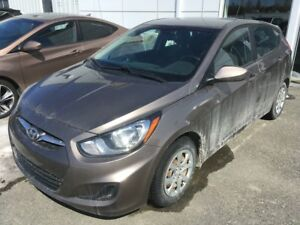 2012 Hyundai Accent GL PNEUS D'HIVER Winter tires included