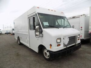 2006 Ford E450 16 foot truck