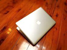 "MacBook Pro Core i5 500.GB 13.3""LED iOS Captain Office 4.GB HD4000 Parramatta Parramatta Area Preview"