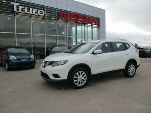 2015 Nissan Rogue S  AWD  NEW TIRES