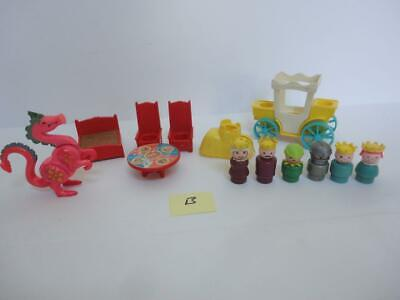 Vintage Fisher Price CASTLE Parts Dragon People #993 from 1974 (b)