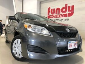 2013 Toyota Matrix HATCHBACK w/factory remaining warranty ONE OW