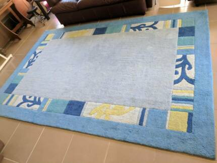 Very nice plush Blue and green Floor Rug/ Mat.
