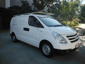 2016 Hyundai iLOAD TQ3-V SERIES White 5 Speed Automatic Van