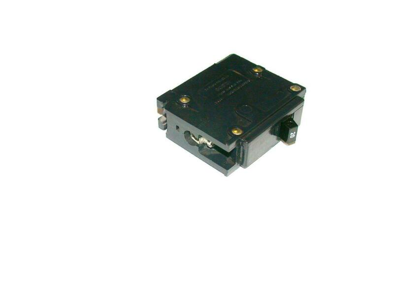 CUTLER-HAMMER CHALLENGER 20  AMP  CIRCUIT BREAKER  MODEL  C120 (10 AVAILABLE))