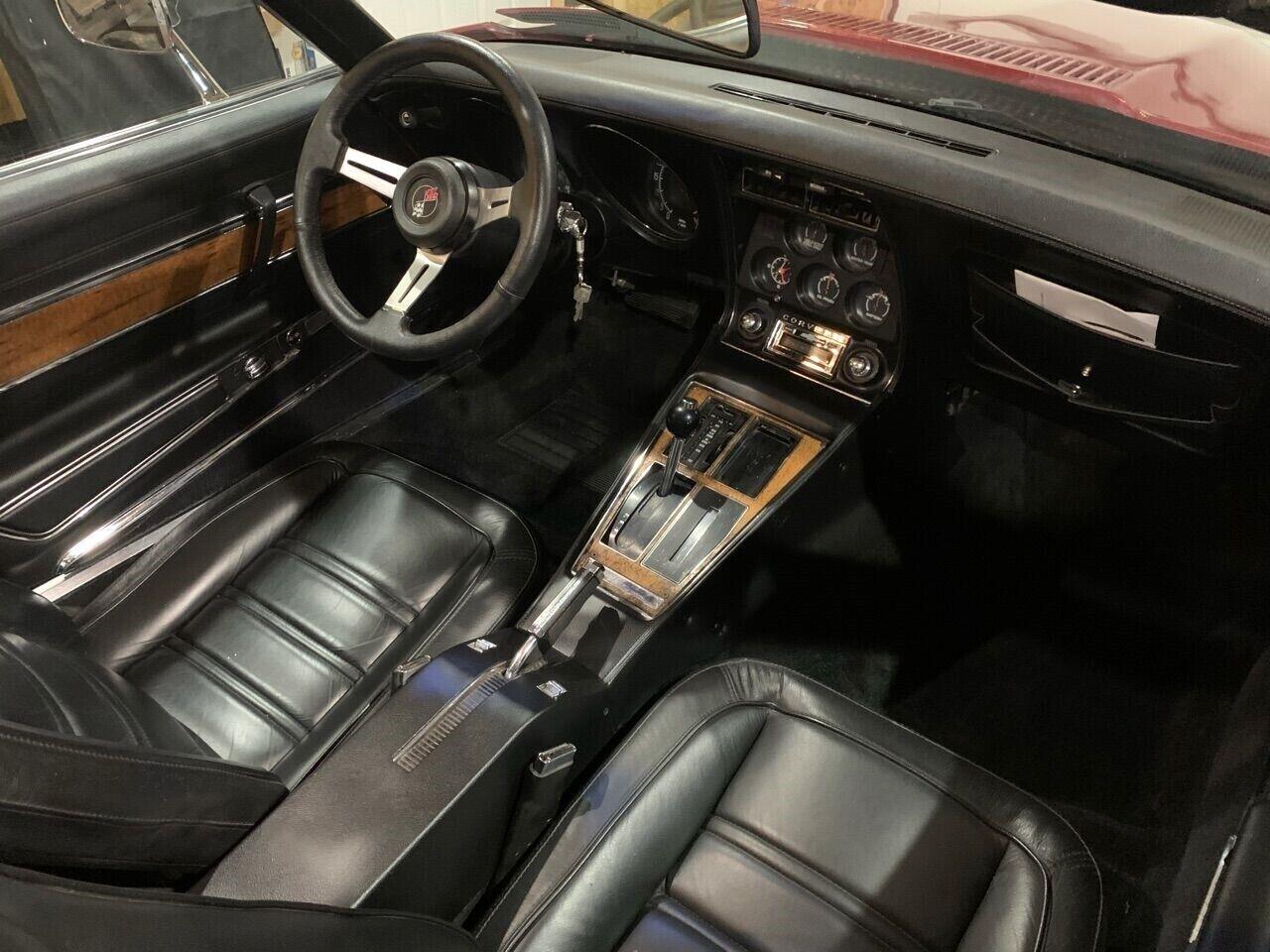 1976 Red Chevrolet Corvette Stingray    C3 Corvette Photo 2