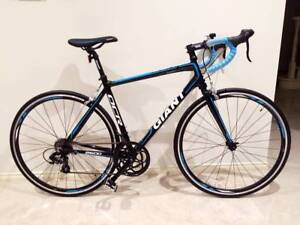 2016 Giant OCR 2 Series Road Bike in great condition!! As New!