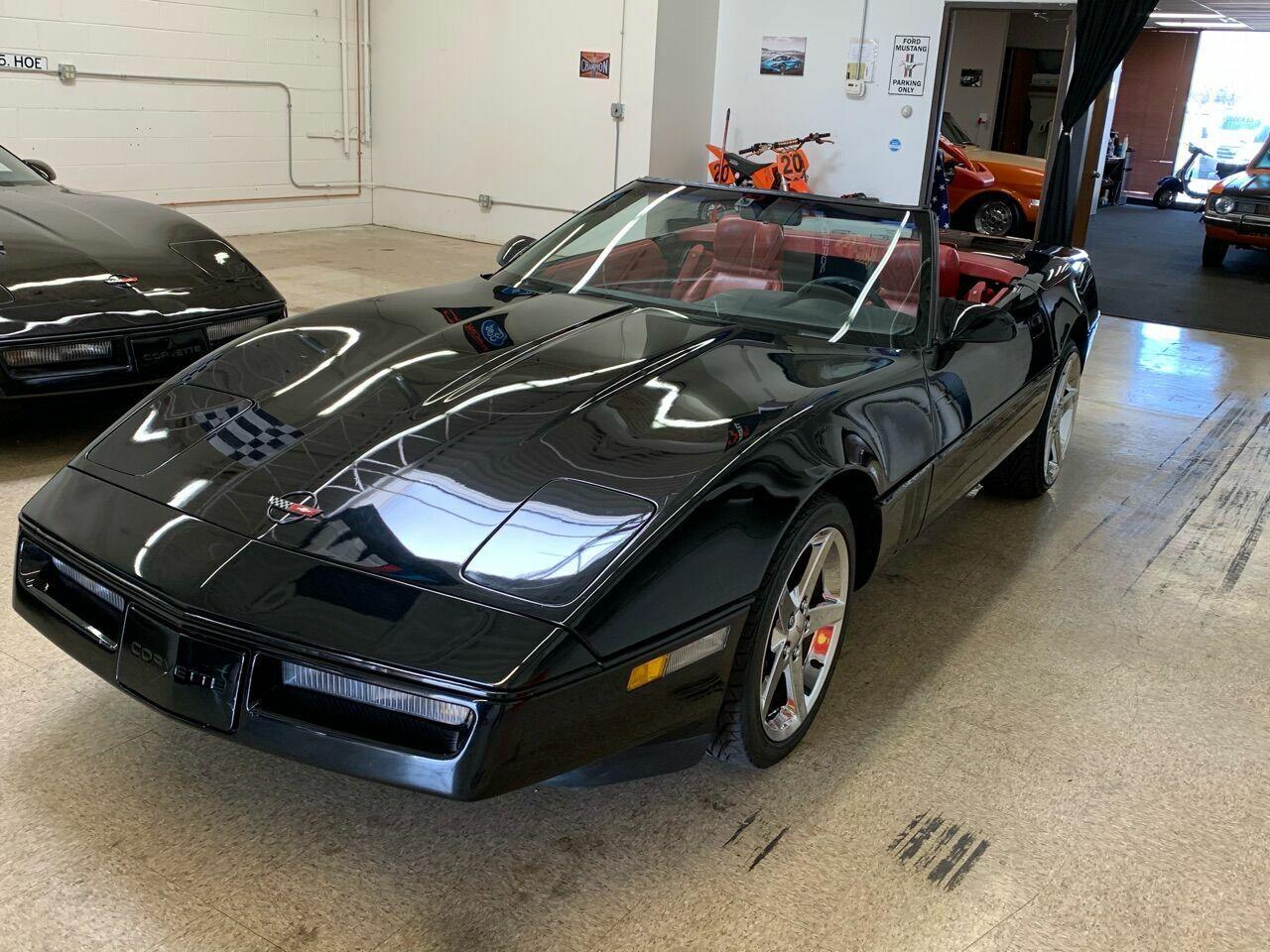 1990 Black Chevrolet Corvette Convertible    C4 Corvette Photo 5