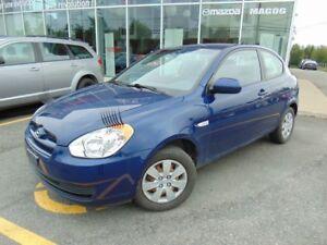 2010 Hyundai Accent SEULEMENT 72 000KM **PETIT PRIX** TRES PROPR