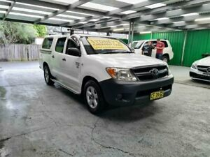 2005 Toyota Hilux TGN16R MY05 Workmate 4x2 White 5 Speed Manual Utility