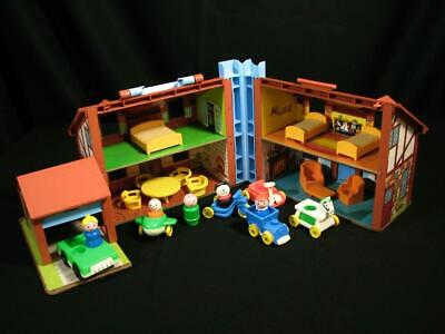 Nice 23 Piece Vintage Fisher Price Play Family Little People Brown Tudor House