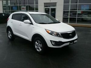 2015 Kia Sportage LX AWD, Heated seats. New tires.